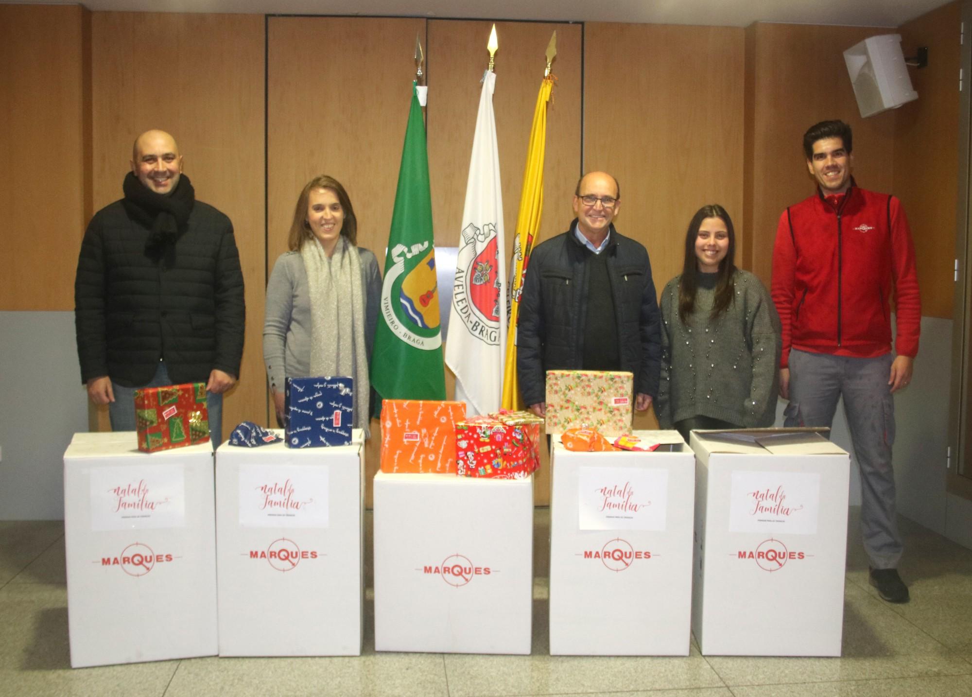 Colaboradores do Grupo José Pimenta Marques voltam a oferecer prendas de Natal a crianças carenciadas