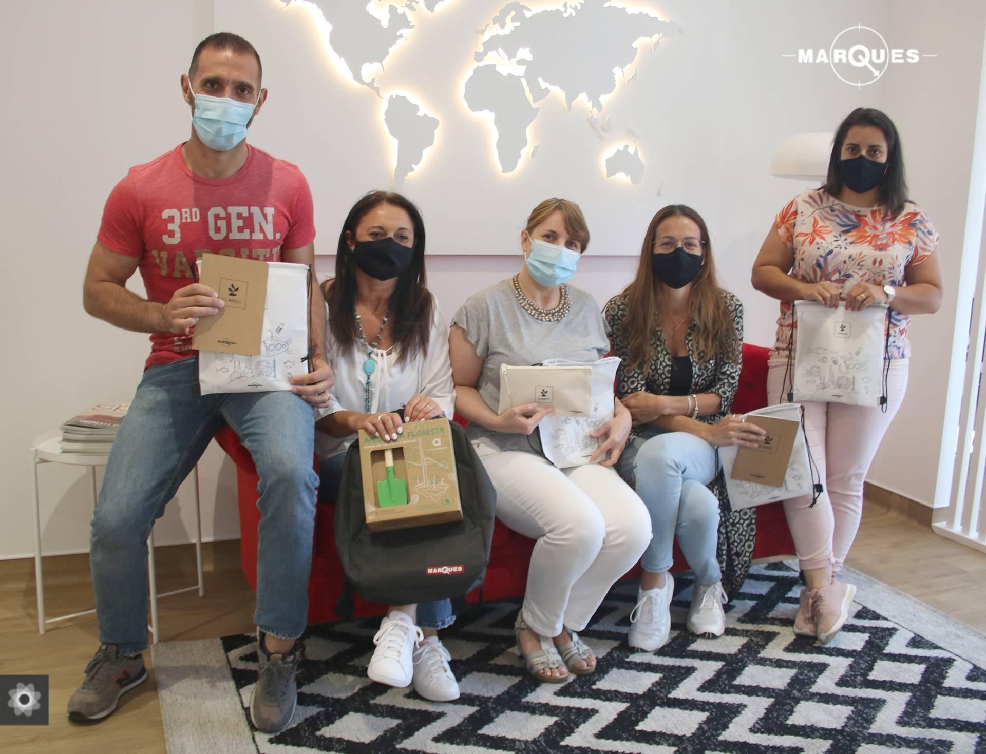 Grupo José Pimenta Marques volta a distribuir kits escolares pelos colaboradores